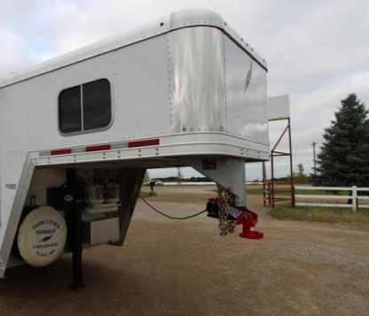Featherlite Trailer with Shocker Gooseneck Surge Air Hitch Coupler Installed